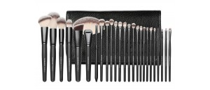 SUNSHADE MINERALS Make-Up Studio Professional ZESTAW 25 sztuk pędzli w zapinanym etui.