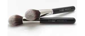 F73 TAPERED KABUKI LANCRONE Make-Up Studio Professional